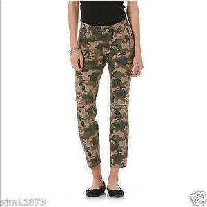 BONGO Pants - On trend camo crops